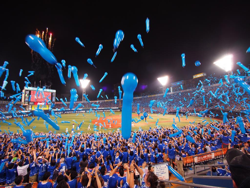 7回の攻撃の際には青い風船が乱舞
