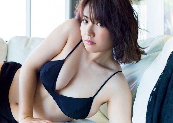 磯山さやかさん(33)の熟女水着姿がエロすぎる!母乳飲みたいと話題に