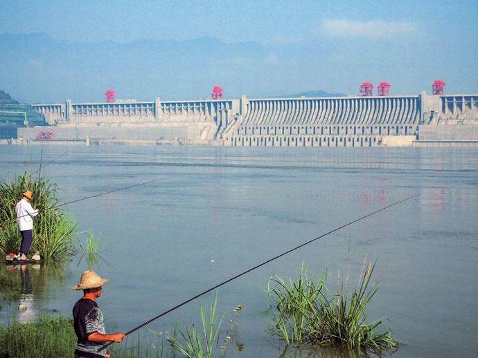 世界最大の中国「三峡ダム」に決壊の脅威?…集中豪雨で大規模水害、そして!
