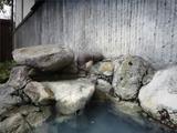 露天岩風呂 女性 湯口2
