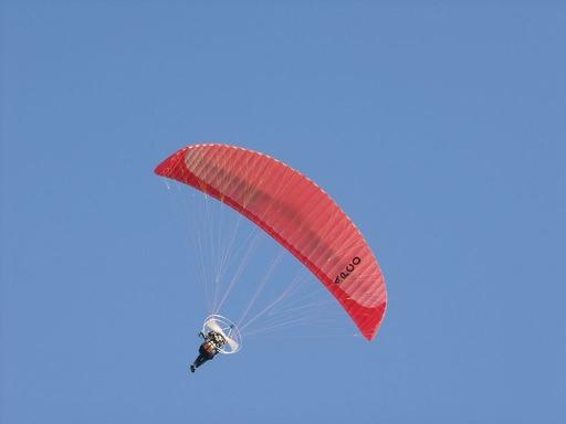 2010.09.18パラグライダー赤