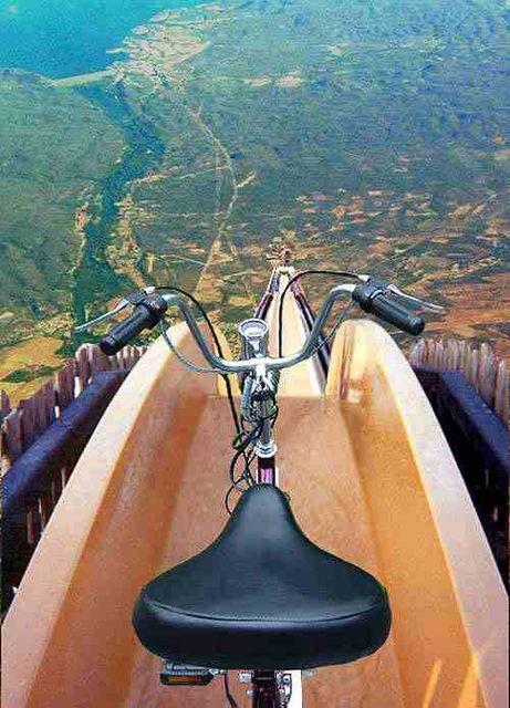 世界一標高が高い滑り台wwwwwwww