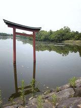 こも神社(三角池)