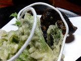 季節の山菜天ぷらとゴリの唐揚げ