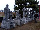赤穂浪士の銅像群