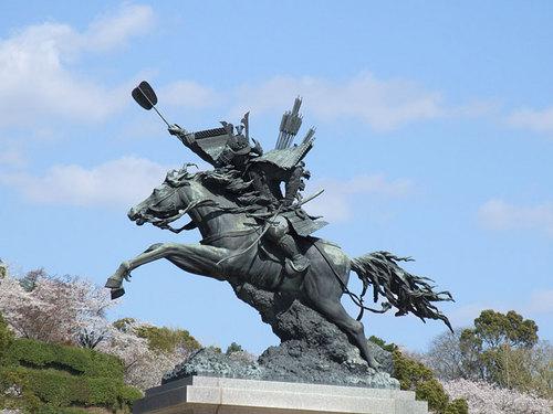 菊池の桜2010-銅像