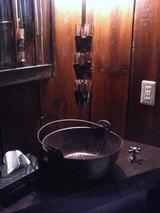 『やぶれ傘』トイレ