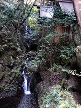 多度大社(本宮の脇の滝)