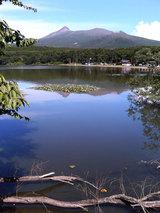 東大沼キャンプ場、駒ヶ岳をバックに