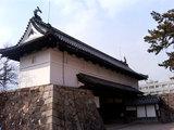 佐賀城址の門