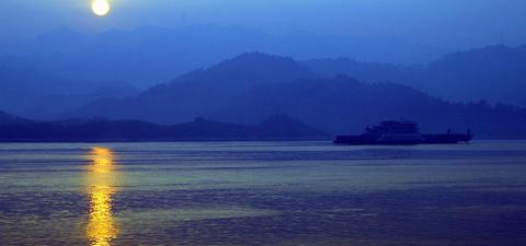 三峡 巫山十二峰001
