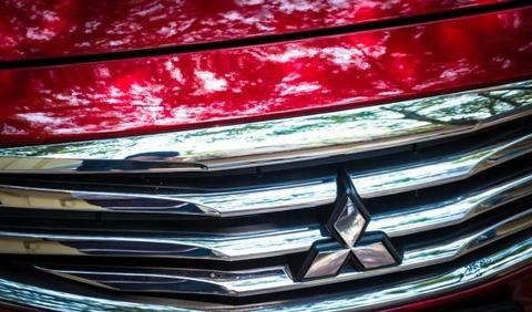 depositphotos_43798403-stock-photo-mitsubishi-car-logo