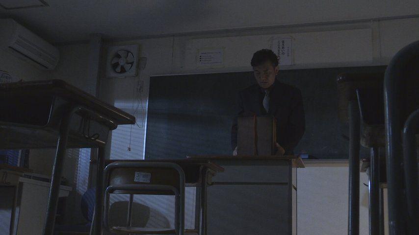 Still0511_00000 翌朝、校長先生が女子生徒にセクハラを働いているという噂を聞くまり