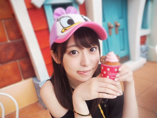 【画像】新人声優・石飛恵里花ちゃんが可愛すぎる上に、太ももがwwww