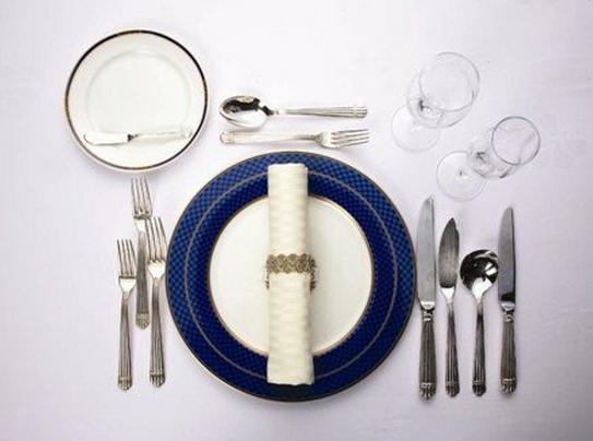 フレンチのマナーとは?フランス料理のナイフ・ …