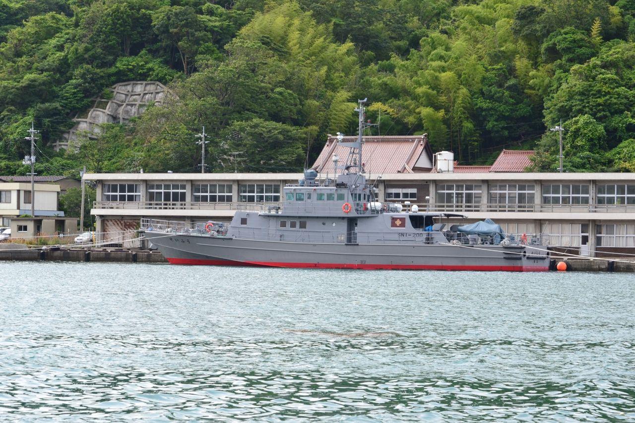 DSC_0198 七類港にはこんな船も 島根県の漁業取締船「せいふう」 自衛隊の船の様な塗装です