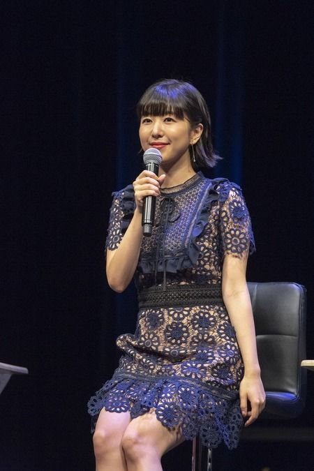 【画像】声優の茅野愛衣さん、スケスケの衣装を着てしまう