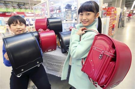 【韓国】通学かばん商戦、日本製ランドセルが人気!一部メディアは「軍国主義の名残」と否定的に伝える ⇒2ch「反日運動してるのに買うの?w」