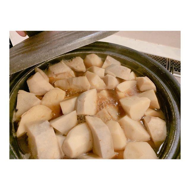 【悲報】辻希美、大量の芋を夕飯に出して炎上