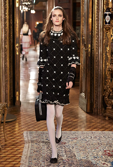CHANEL_2015_Metiers_d_Art_Paris_Salzburg_collection_75