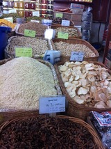 20121112_Qatar_Market2sm