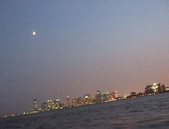 月とマンハッタン