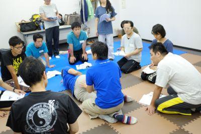活法研究会_整体入門骨盤編のセミナーの様子(2015年8月9日)