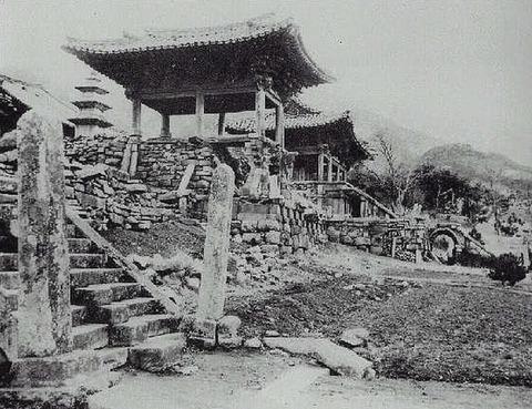 日韓併合前の朝鮮4朝鮮の寺は荒れ果てている