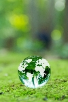 緑とクリスタルの地球