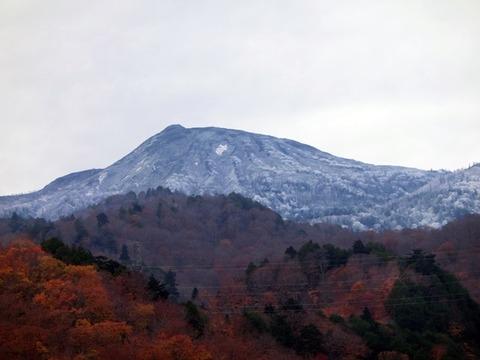 燧ヶ岳初冠雪!