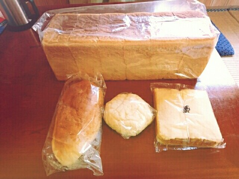 只見 三石屋さんのパン