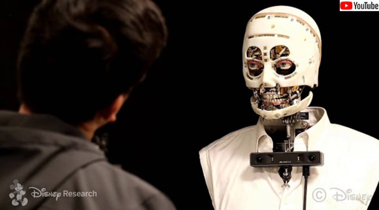 ディズニーが開発した視線怖い系ロボット