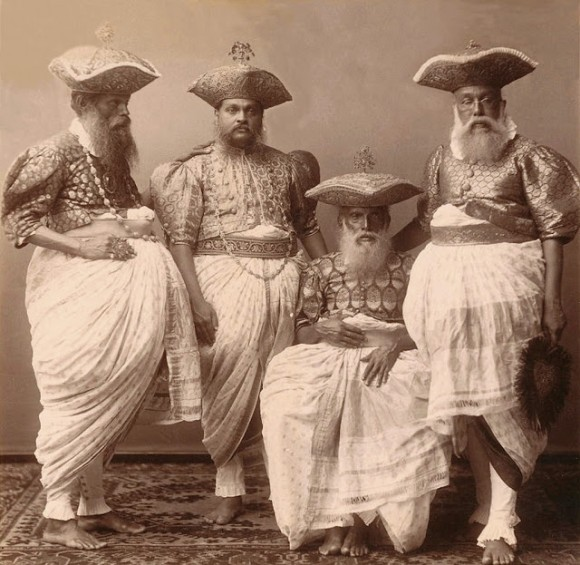 1800年代後半から1900年代初頭、古き良き時代の世界のヴィンテージ ...