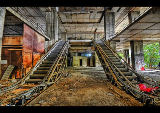 urban_decay_photography_26
