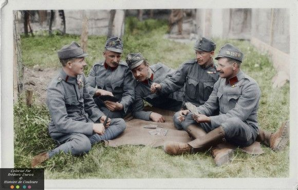 第一次世界大戦中のフランス軍兵士たちの日常をカラー化した歴史的写真