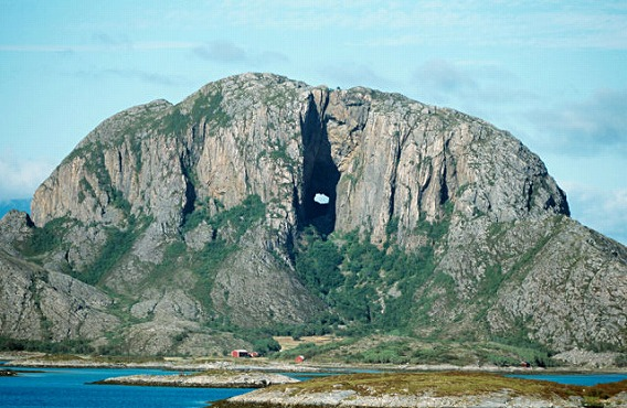 unusual_rock_formations_from_around_the_globe_640_08