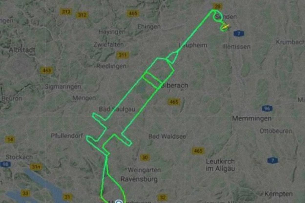 飛行機の航路で注射器を描いたドイツのパイロット
