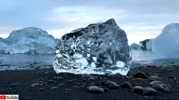 ダイヤモンドのような氷が発見できるアイスランドの幻想的なビーチ