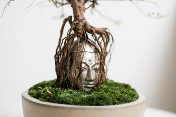 御利益ありそう!仏像が盆栽と融合。守られている感が半端ないし芸術性も高い「仏像盆栽」