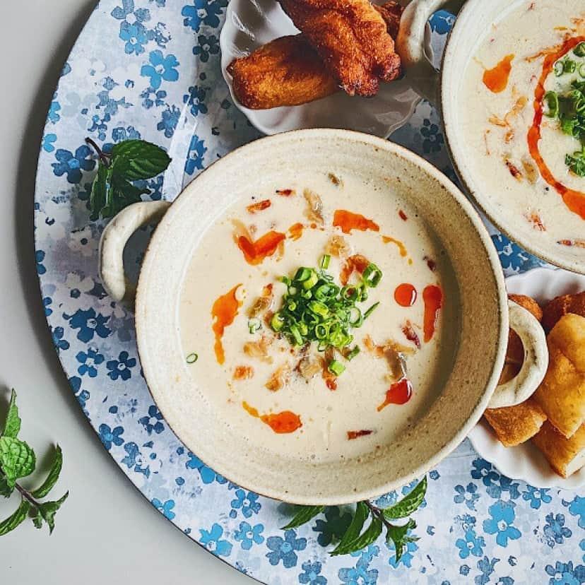台湾風豆乳スープ「鹹豆漿(シェンドウジャン)」と油條(揚げパン)の作り方