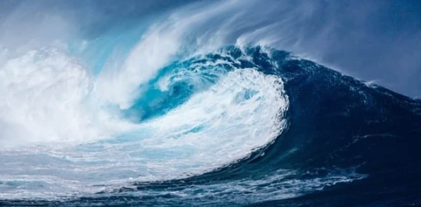wave-1913559_640_e
