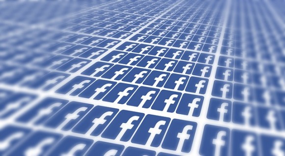 facebook-715811_640_e