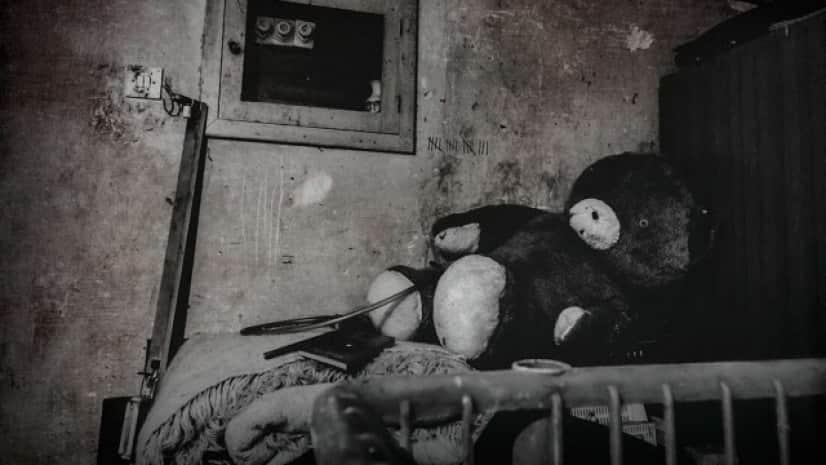 extra_large-1612536819-creepy-apartment_e
