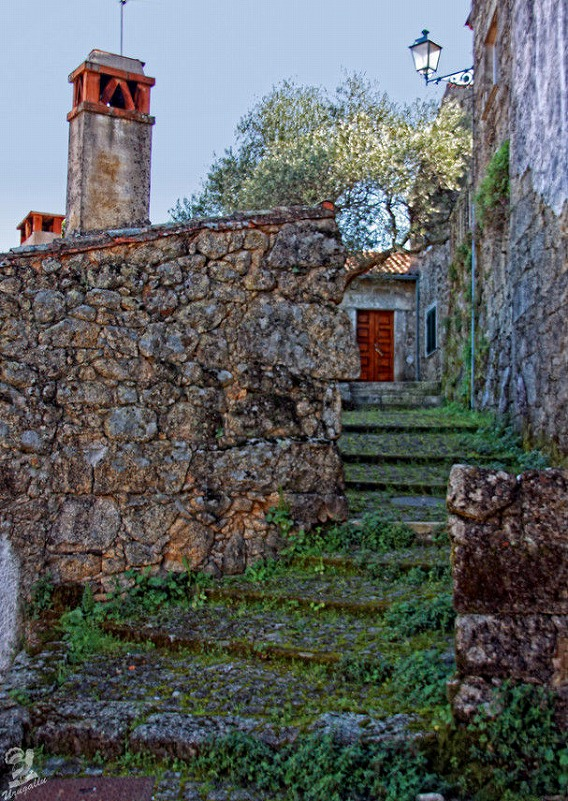 a_beautiful_village_on_the_rocks_640_high_12