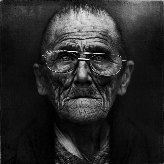 amazing_black_and_white_photos_of_the_homeless_640_24