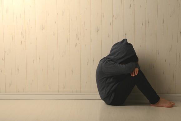 10代のうつ病が増加傾向。原因はゲームではなくSNSであるとする研究結果(カナダ研究)
