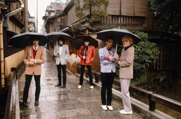 1970〜80年代、日本に来たロックスターたちのノスタルジックな記念写真