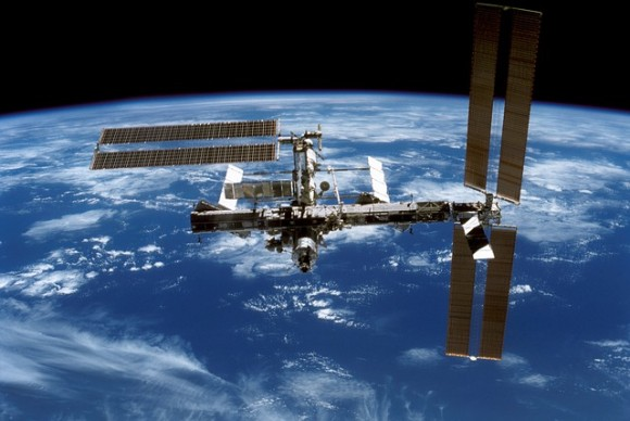 international-space-station-548331_640_e