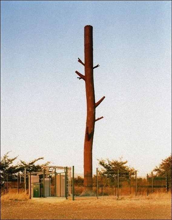 camouflaged_cell_phone_tower_07_e