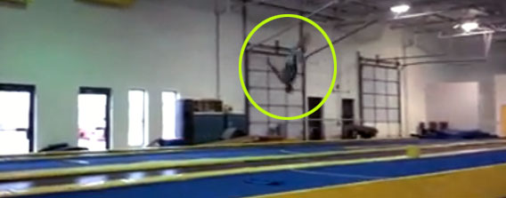 これが人間?オリンピック選手より凄いかもしれないロングマット運動